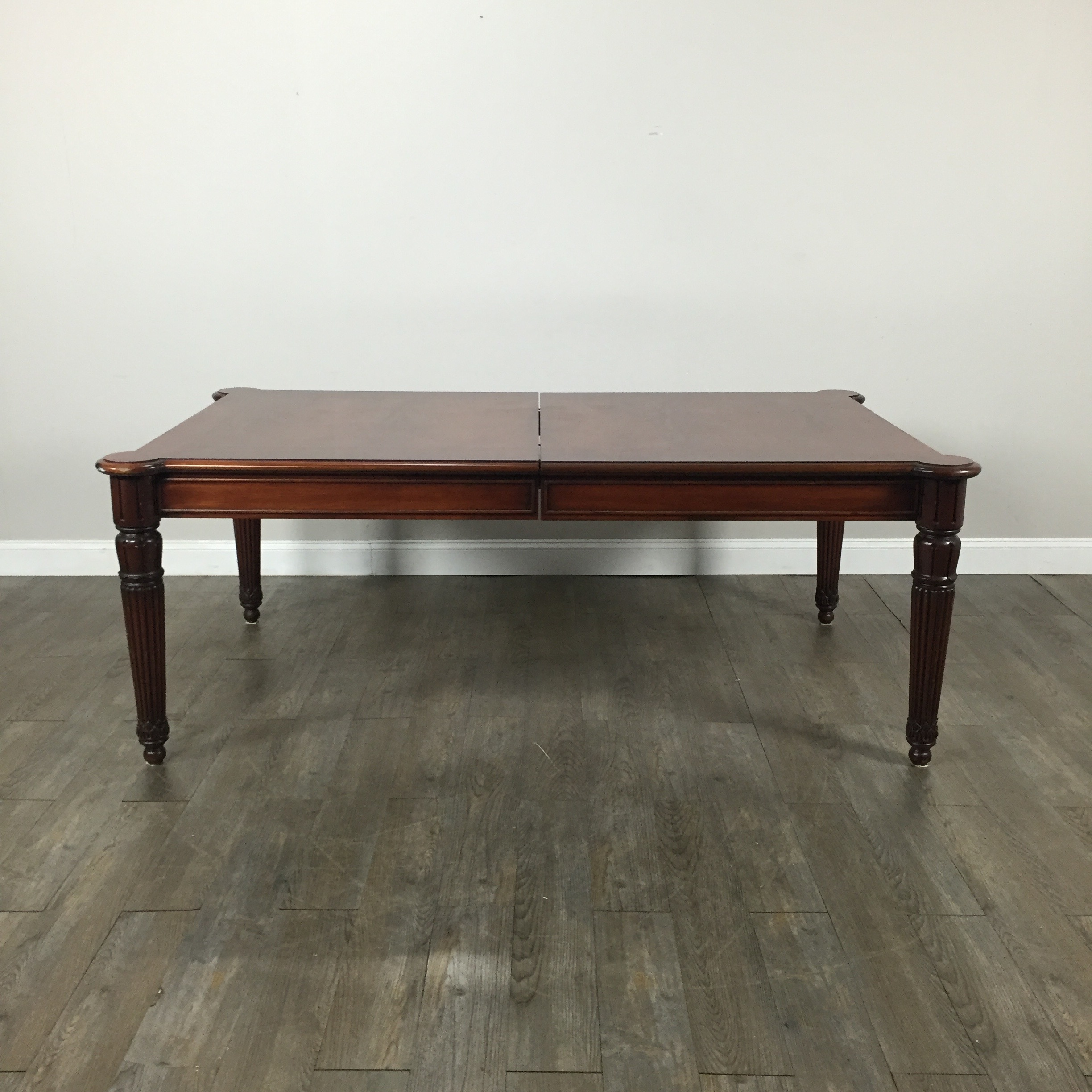 Henredon Mahogany Dining Table With 2 Leaves Chairish : ea3ccae1 51ba 4003 ab47 9cd9f72a8788aspectfitampwidth640ampheight640 from www.chairish.com size 640 x 640 jpeg 36kB