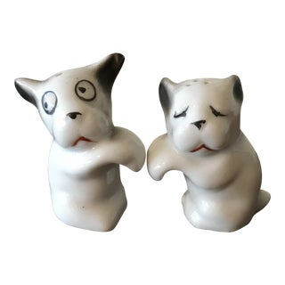Vintage Small White Dogs Shakers - A Pair