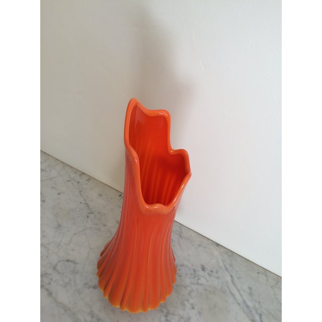 Mid-Century Orange Viking Ribbed Slung Glass Vase - Image 6 of 9
