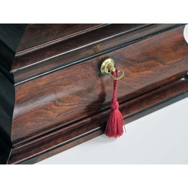 A Handsome and Well-Made English Regency Rosewood Bombe-Form Jewelry Box - Image 5 of 7