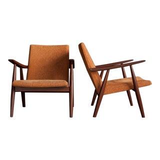 Hans Wegner GE 260 Lounge Chairs - A Pair
