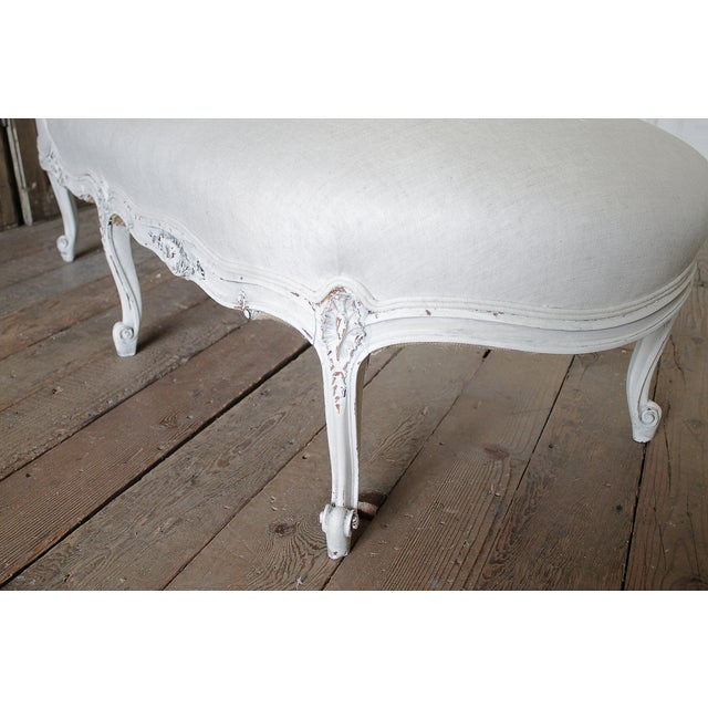 19th Century Carved and Painted Walnut Chaise Longue in Belgian Linen - Image 3 of 6