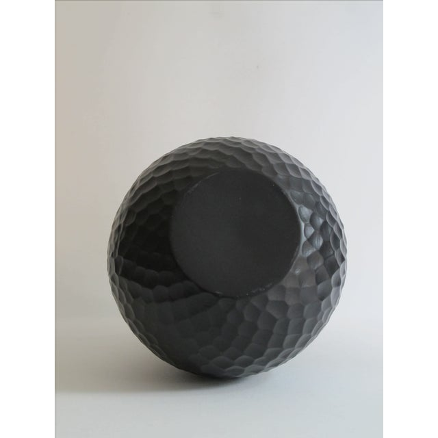 Black Scale Pattern Vase - Image 6 of 6