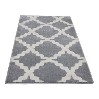 "Small Gray Trellis Pattern Rug - 2'8"" X 5'"