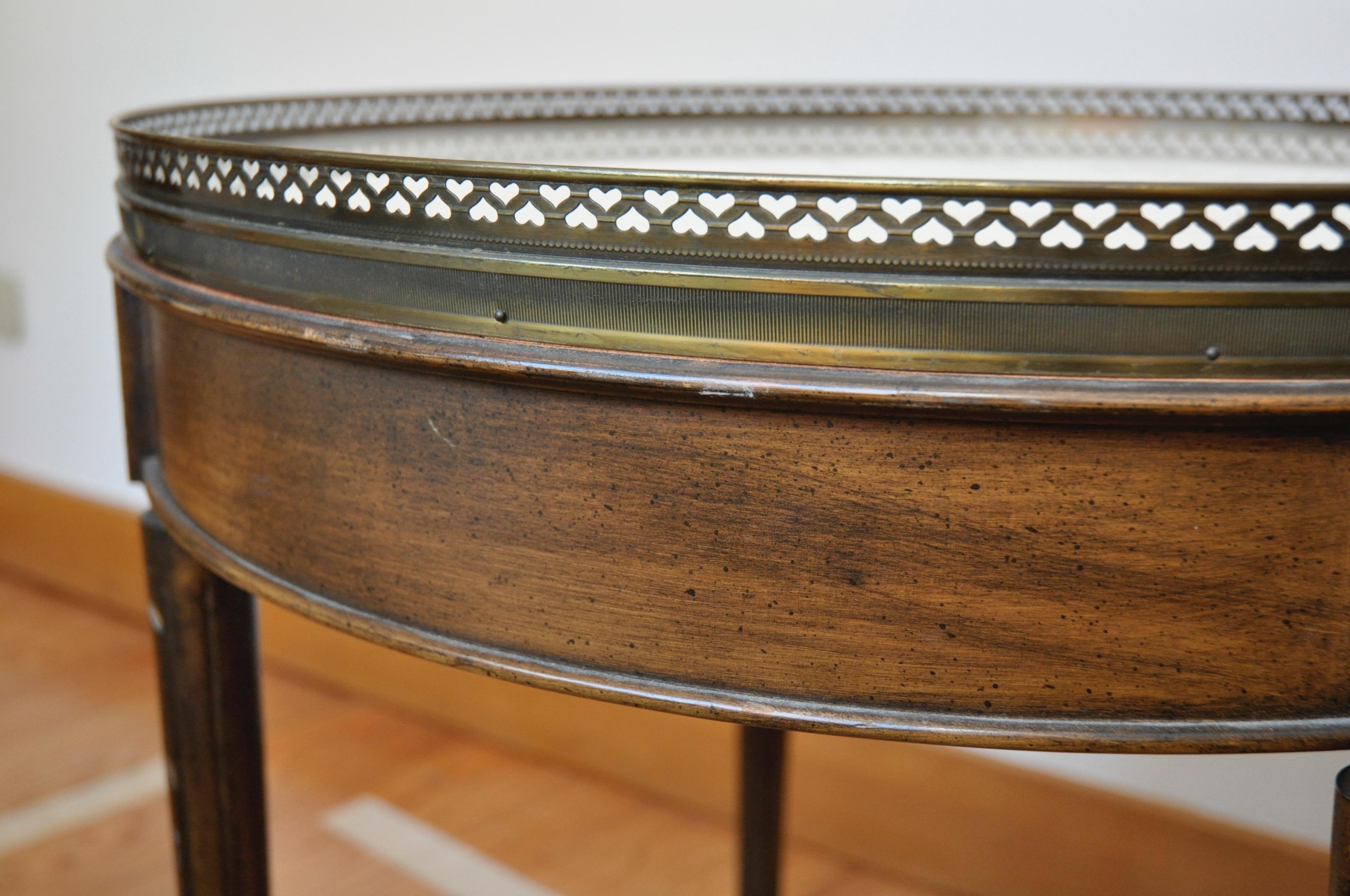 Antique Marble Top Pie Crust Round Accent Table   Image 6 Of 7