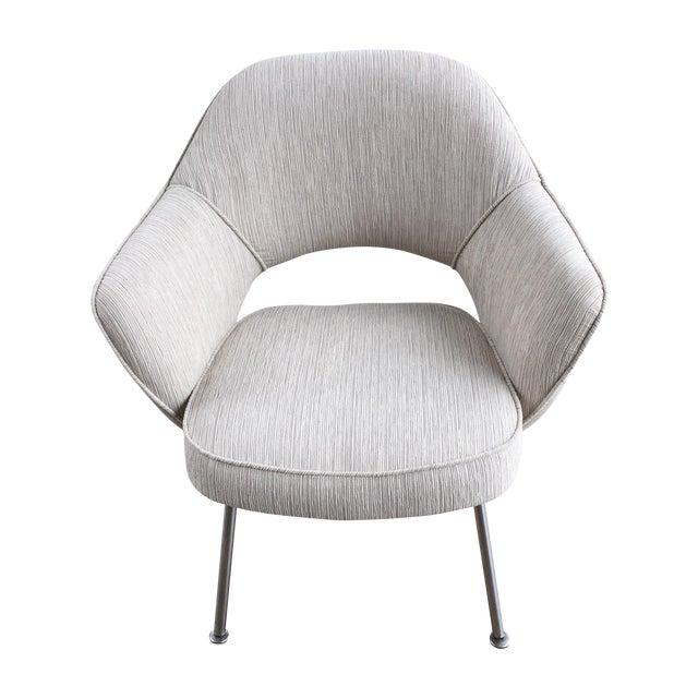 Knoll Eero Saarinen Executive Armchair - Image 1 of 9