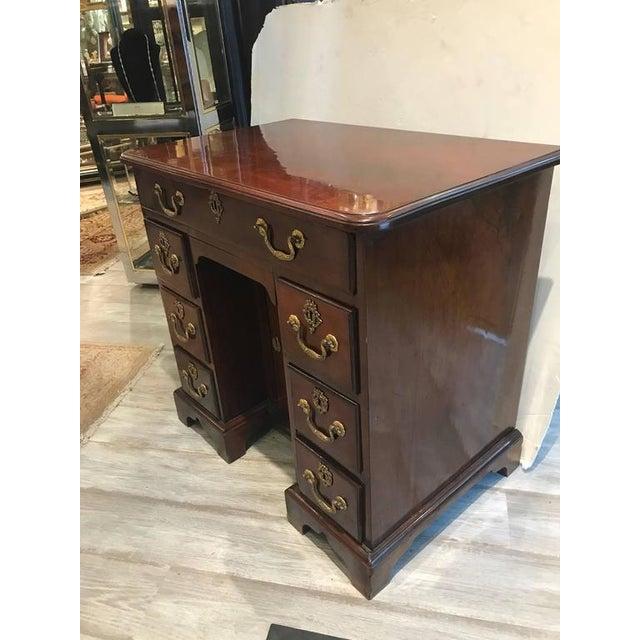 George III Mahogany Kneehole Desk - Image 5 of 6
