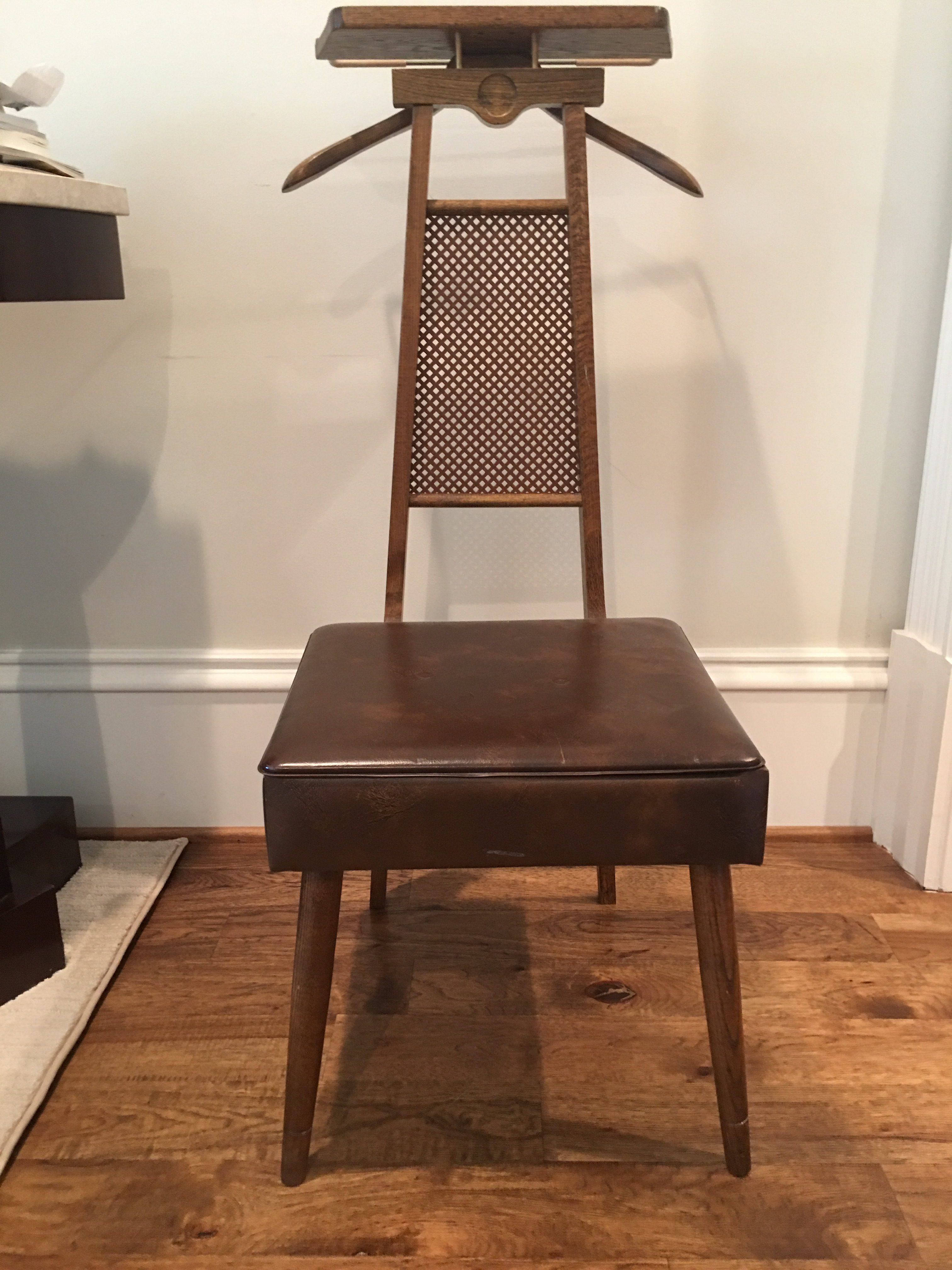 Nice Image Of Mid Century Butleru0027s Chair