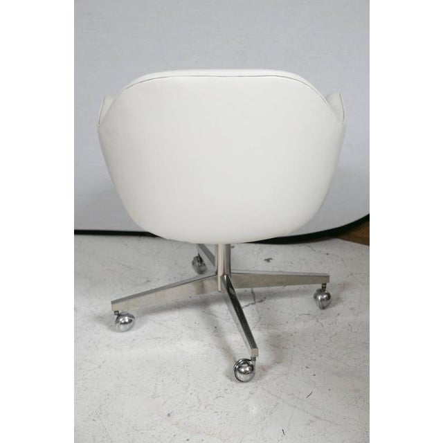 Knoll Desk Chair in White Leather - Image 3 of 7