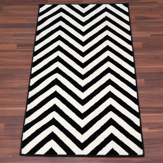 "Black and White Chevron Rug - 5'3"" x 7'4"" - Image 2 of 6"