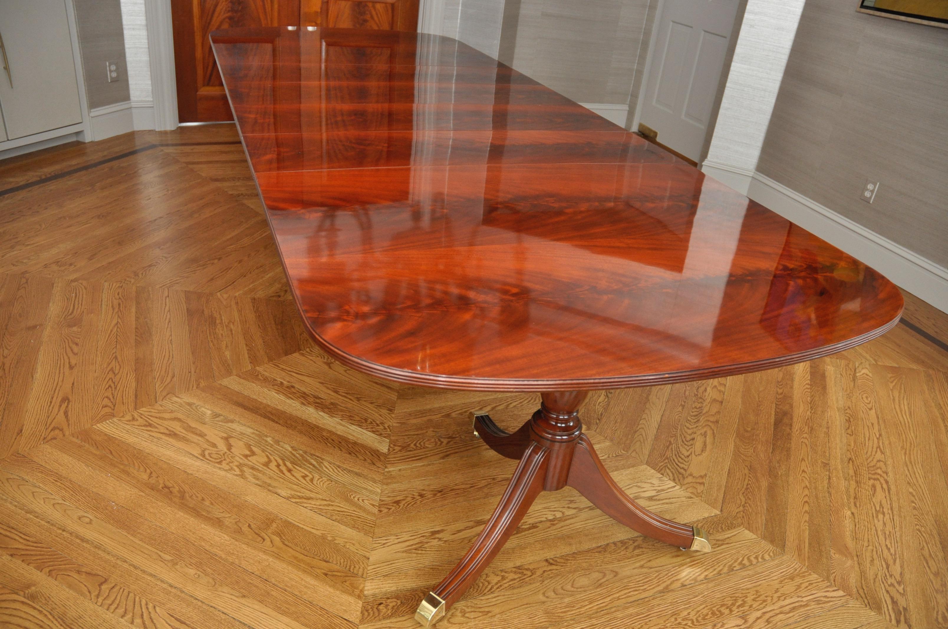Kindel Crotch Mahogany Pedestal Dining Table Chairish : ed9f86c8 2888 4af3 b042 4cecbbb16378aspectfitampwidth640ampheight640 from www.chairish.com size 640 x 640 jpeg 47kB