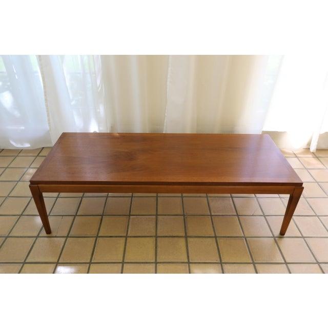 Lane Rhythm Mid-Century Walnut Coffee / Cocktail Table