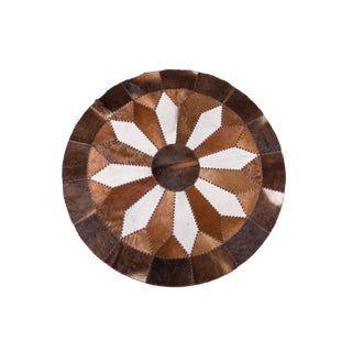 Handmade Round Cowhide Patchwork Area Rug - 5'11""
