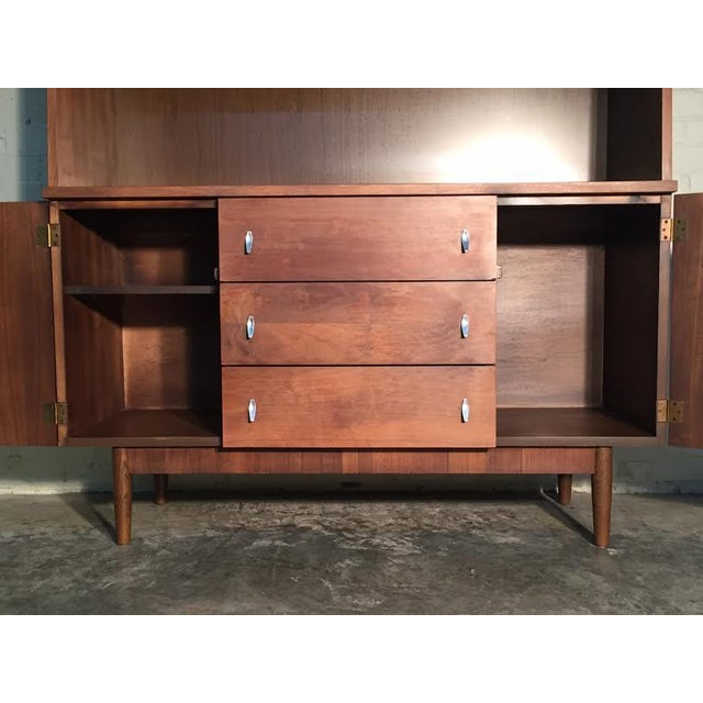 Stanley Mid-Century Modern China Cabinet Bookcase - Image 5 of 9