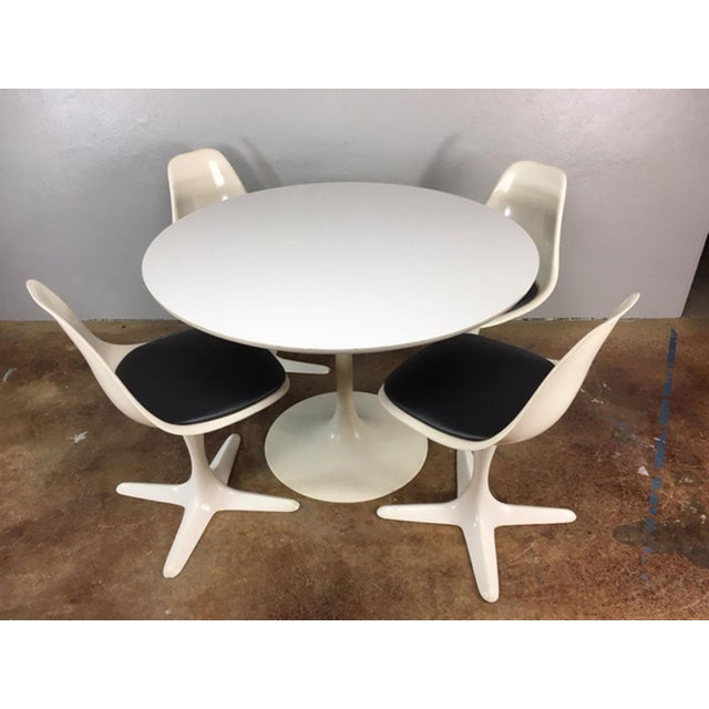 Set of 4 Saarinen Style Tulip Table and Propeller Base Chairs by Burke - Image 2 of 11