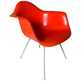 Eames Herman Miller Fiber Glass Chair
