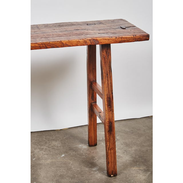 Early 19th Century Chinese Simple Side Table with a Long Single Hand of Deep Brown Elm Wood - Image 5 of 7