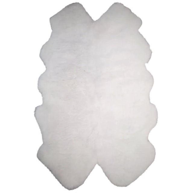 White Sheepskin Rug -- 4' x 6' - Image 1 of 2