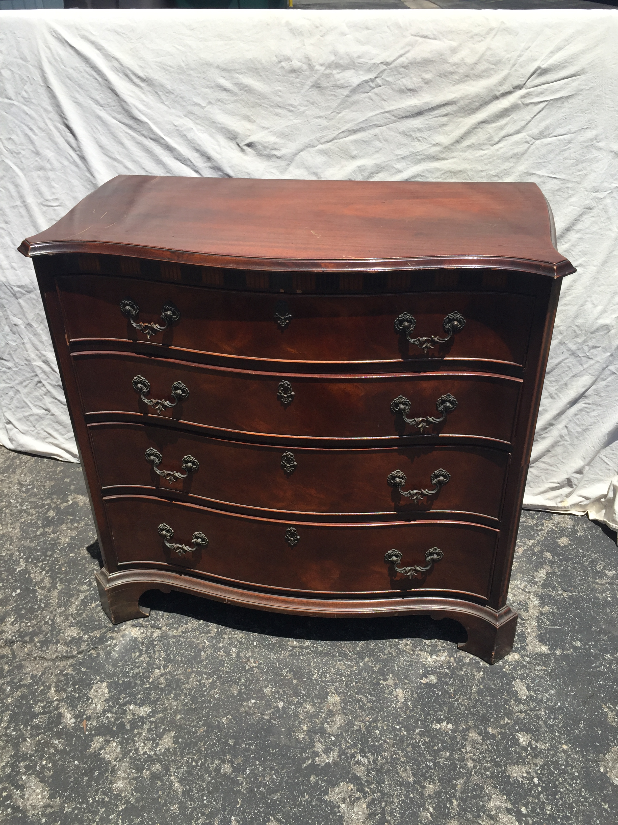 Great Old Colony Furniture Company Mahogany Dresser   Image 2 Of 4