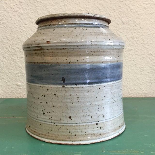 Hand Thrown Earthenware Cookie Jar - Image 5 of 6