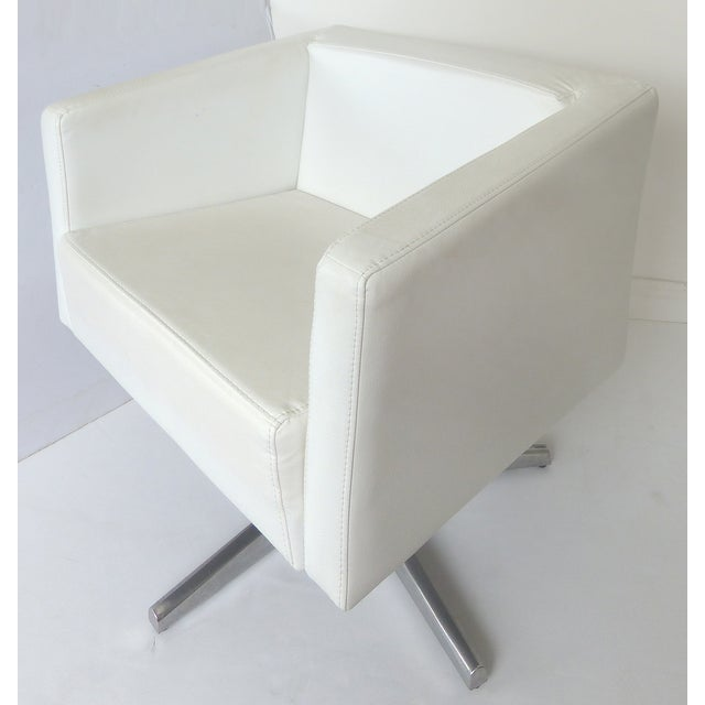 Modernist White Leather Swivel Chairs - A Pair - Image 7 of 10