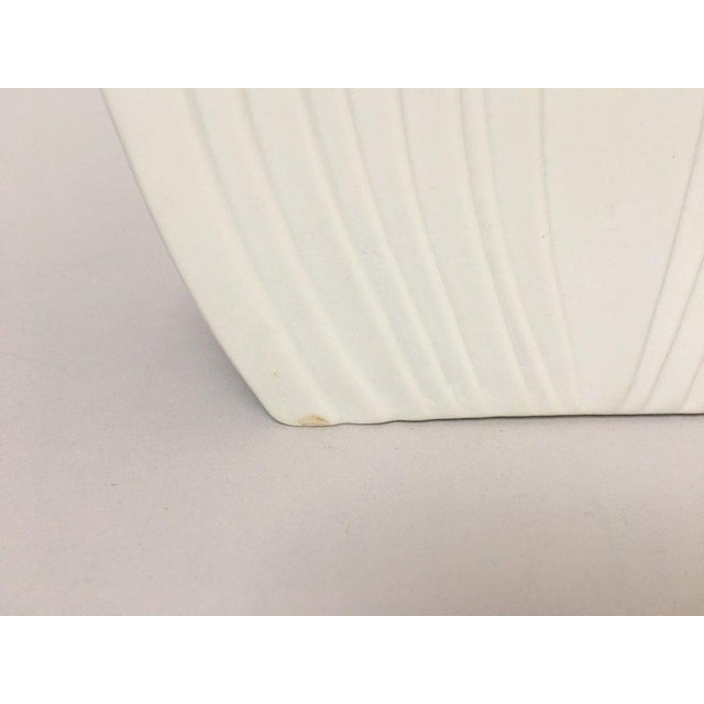 White Modernist Bisque Porcelain Naaman Onion Vase - Image 7 of 11