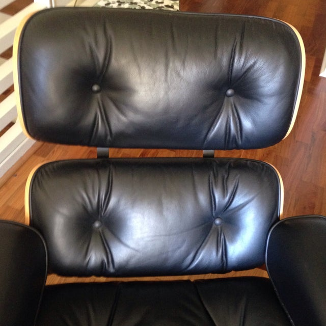 Eames 670 Lounge Chairs & 671 Ottomans - a Pair - Image 4 of 11