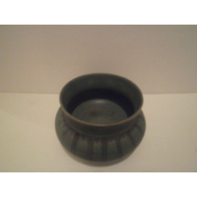 Green Striped Art Pottery Pot - Image 4 of 7