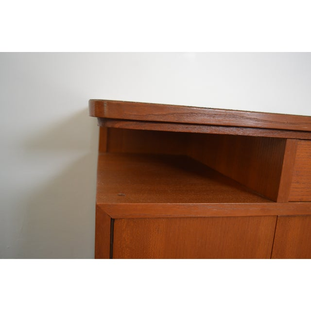 Mid-Century Red Oak Nightstands - A Pair - Image 5 of 11