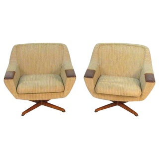 Mid-Century Swivel Lounge Chairs - A Pair