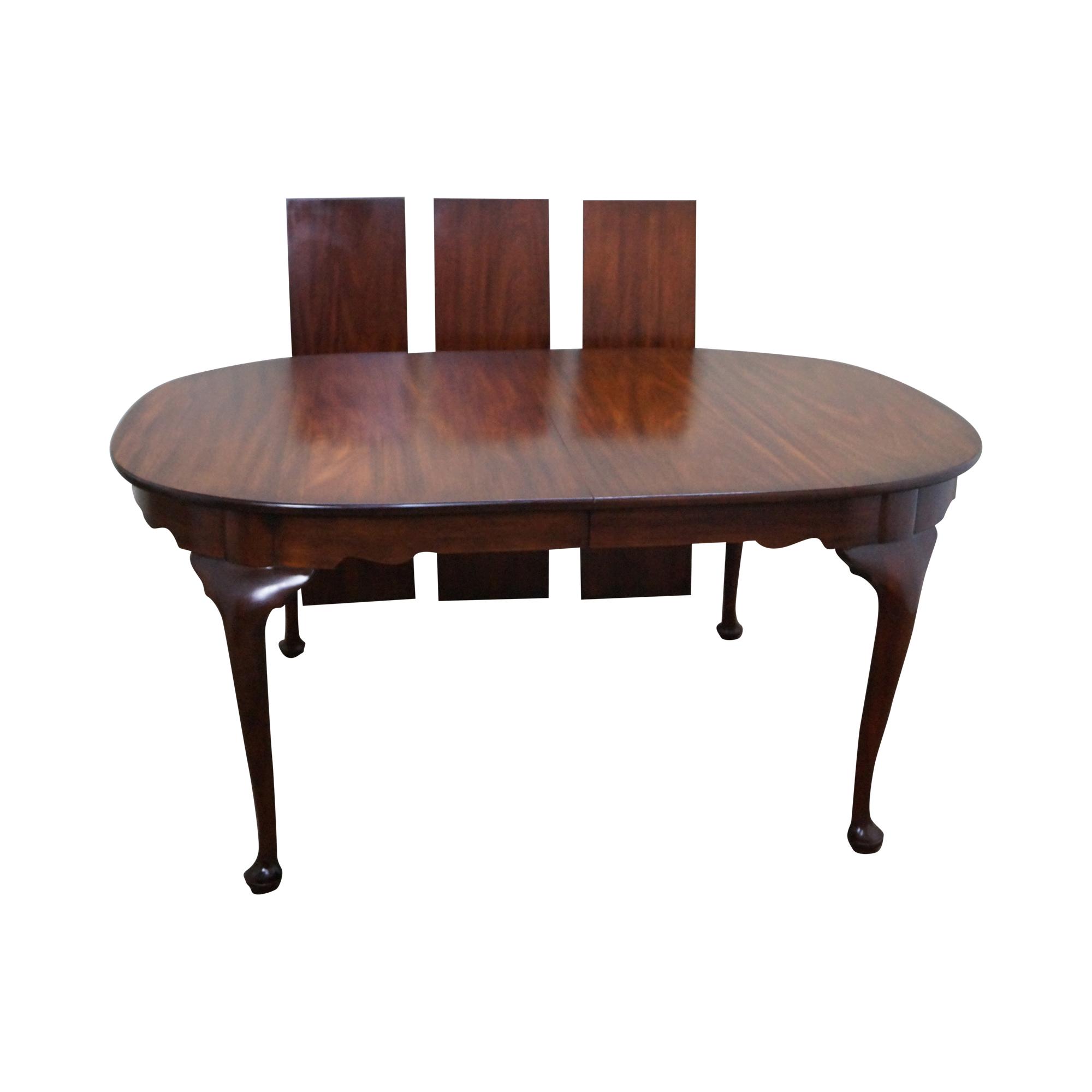 Henkel Harris Queen Anne Mahogany Dining Table Chairish : f0e457e4 0455 43ae 9ea8 f0bebb9d58e4aspectfitampwidth640ampheight640 from www.chairish.com size 640 x 640 jpeg 20kB