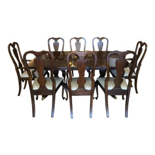Queen Anne Style Expandable Dining Set