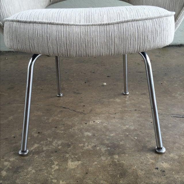 Knoll Eero Saarinen Executive Armchair - Image 7 of 9