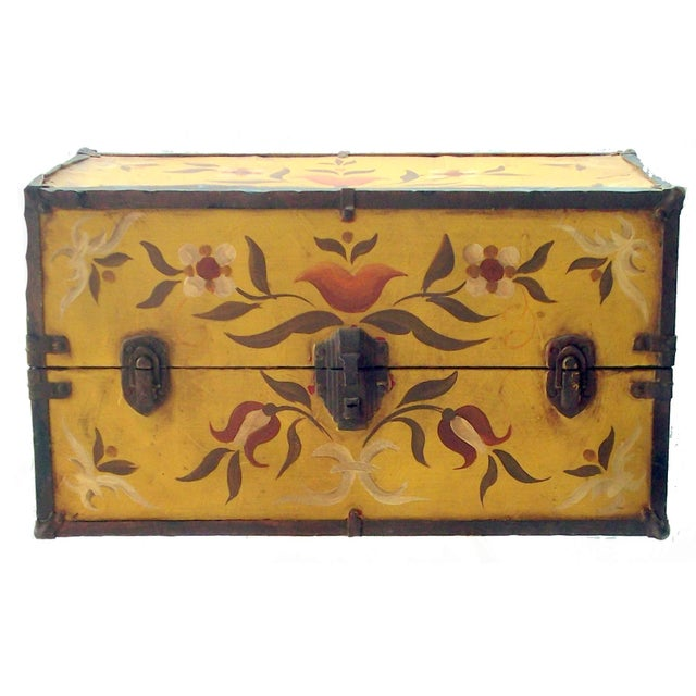 Vintage Doll Trunk - Image 4 of 4