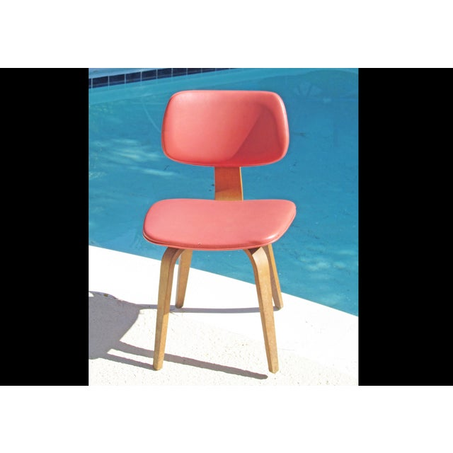 Thonet Vintage 1960 Bent Plywood Coral Vinyl Chair - Image 2 of 6