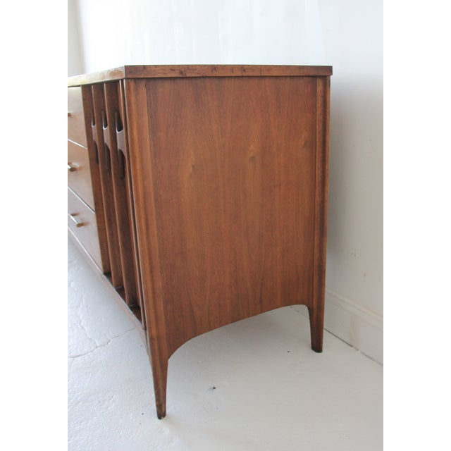 Kent Coffey Mid-Century Perspecta Credenza - Image 3 of 10