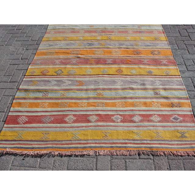 vintage turkish kilim rug 5 39 2 x 8 39 3 chairish. Black Bedroom Furniture Sets. Home Design Ideas