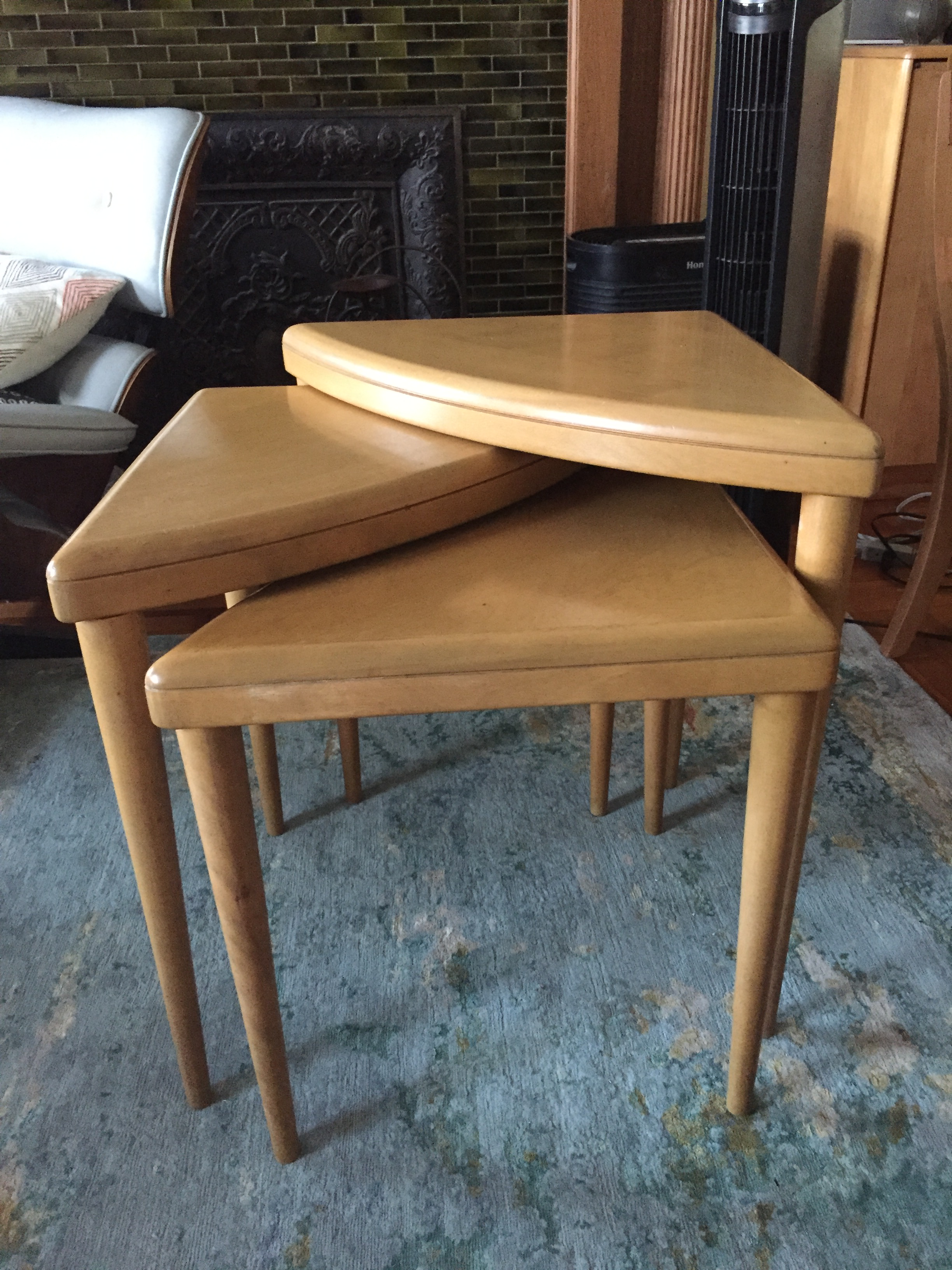 Heywood Wakefield Triangle Nesting Tables   Set Of 3   Image 2 Of 5