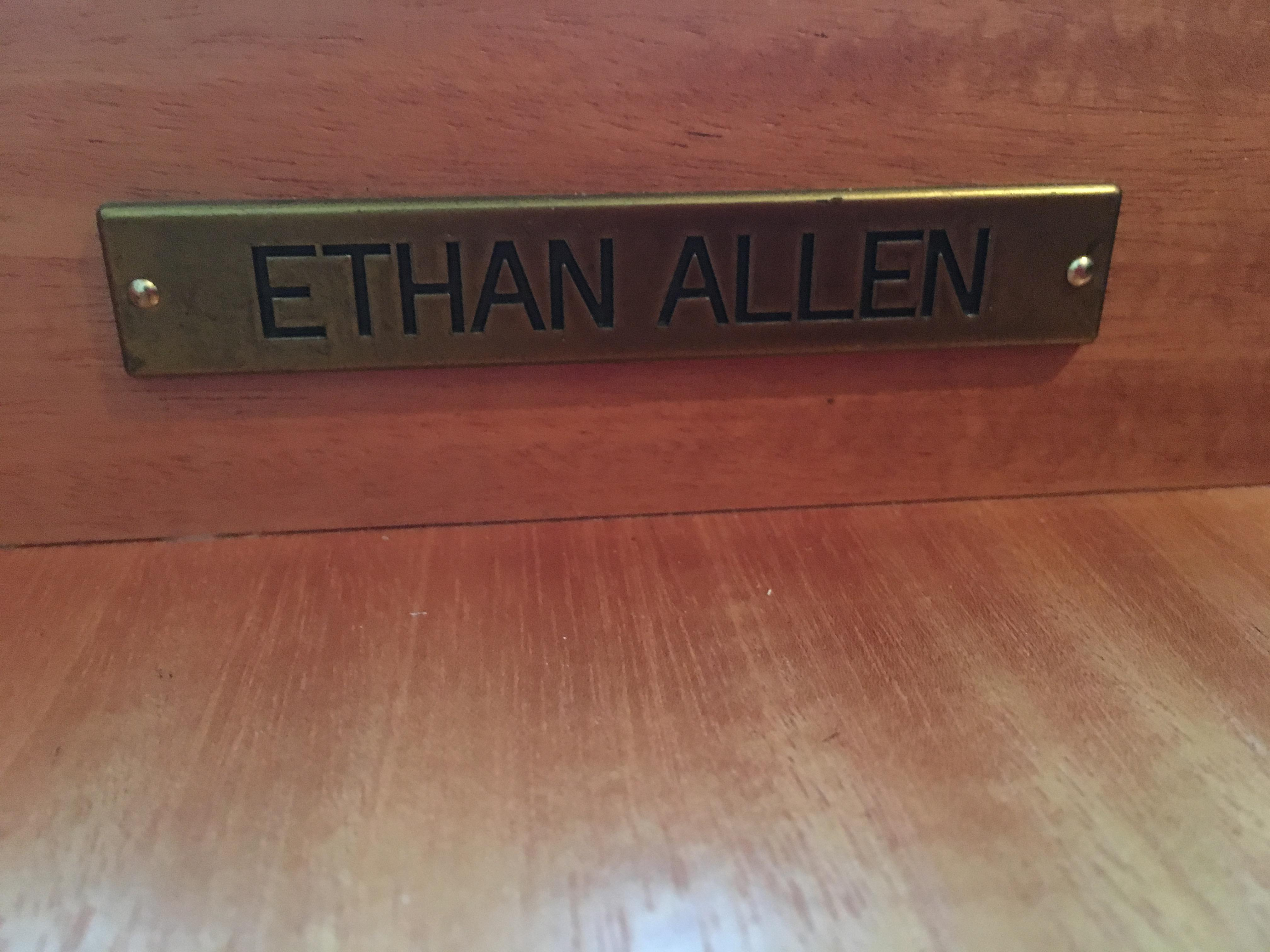 Ethan Allen Wilshire Table   Image 7 Of 8
