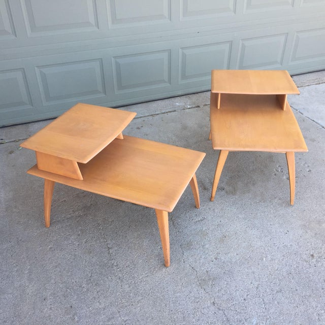Pair of Heywood-Wakefield Champagne Blonde Saber Leg Side Tables - Image 5 of 11