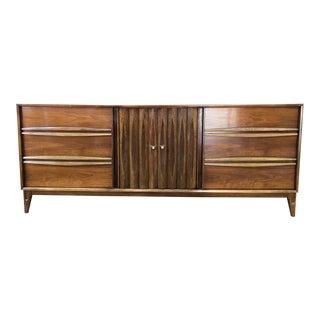 Thomasville Mid-Century Modern Walnut Dresser