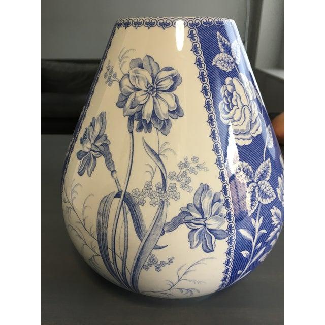 Spode Blue & White Vase - Image 4 of 4