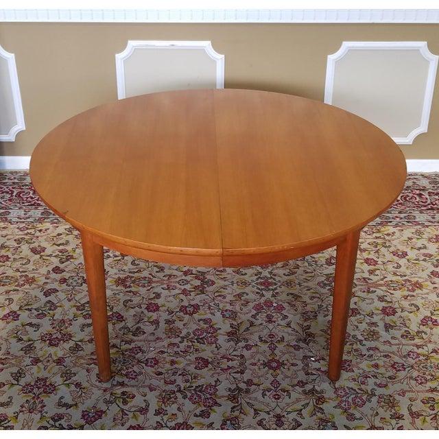 1950s Vintage Dynasty Furniture Danish Modern Style Light Walnut Dining Room Table 3 Leaves