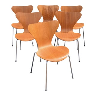 Vintage Arne Jacobsen by Fritz Hansen Danish Modern Series 7 Chairs - Set of 6.