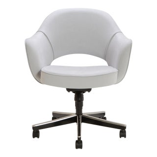 Saarinen Executive Arm Chair in Fog Luxe Suede, Swivel Base