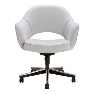 Saarinen Executive Arm Chair in Fog Luxe Suede, Swivel Base
