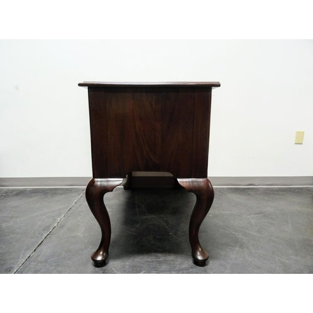 Henkel Harris Solid Mahogany Philadelphia Queen Anne Low Boy - Image 9 of 11