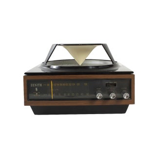Mid-Century Zenith Omni Directional AM/FM Radio