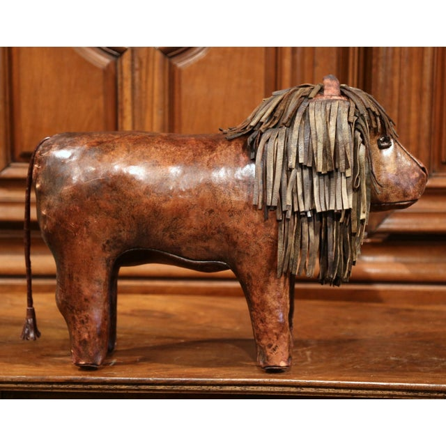 19th century English Foot Stool Lion Sculpture with Original Brown Leather - Image 4 of 8