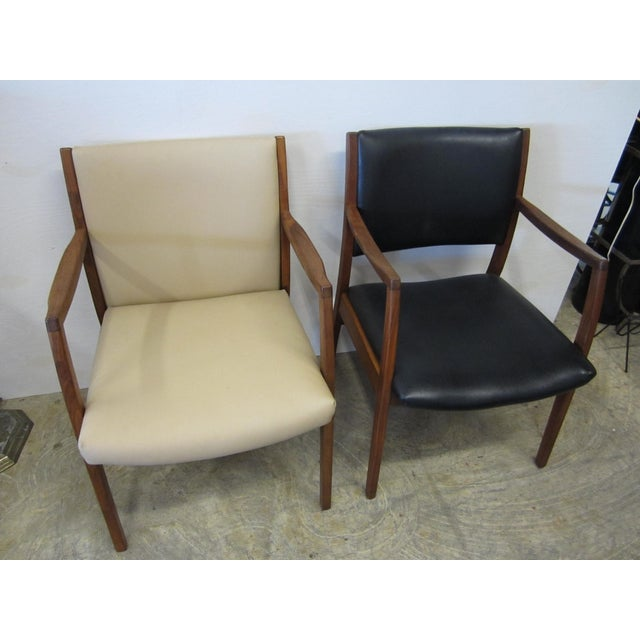 Jens Risom Mid Century Side Arm Chair Pair - Image 2 of 9